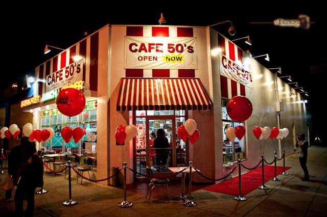 The scoop la blog archive cafe 50 s a fifties style for Cuisine 50 s