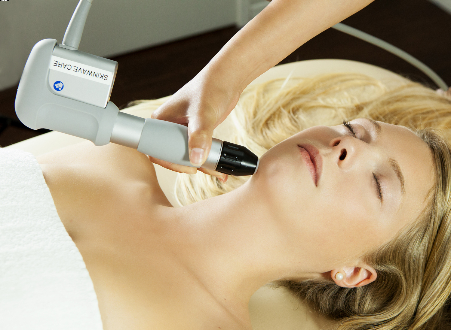 The SkinWave™ Institute Opens in Beverly Hills
